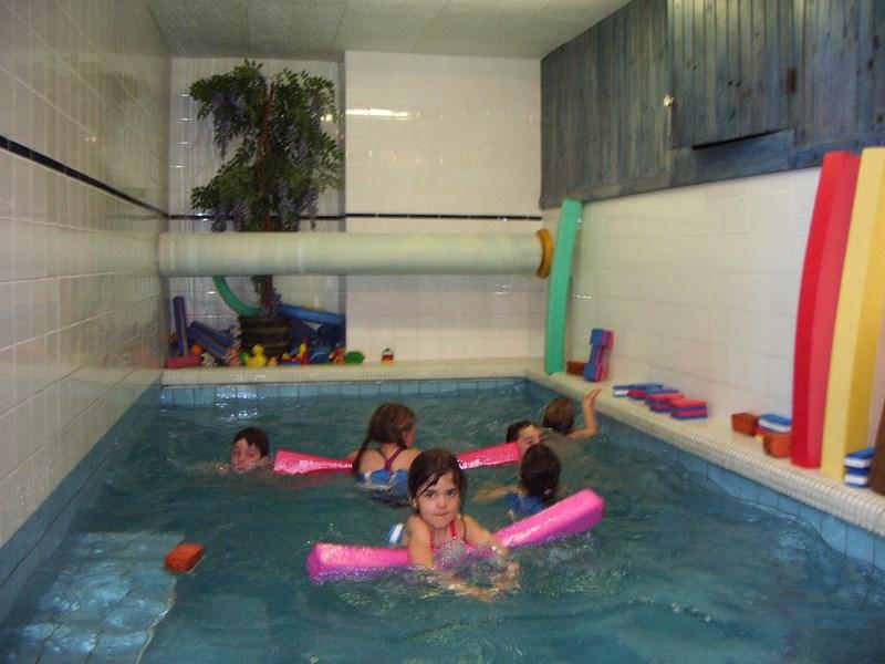 piscine perpignan. Black Bedroom Furniture Sets. Home Design Ideas